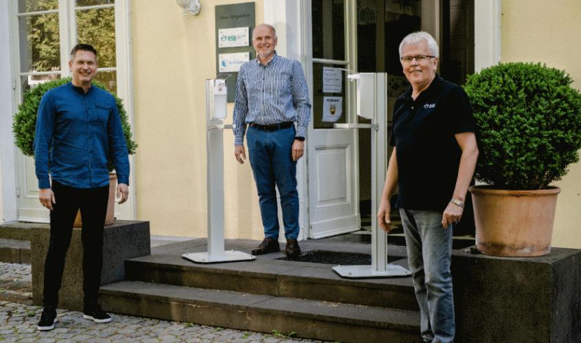 Spende von drei Desinfektionssäulen für das BSB Bonn