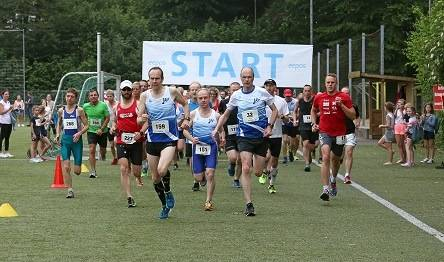 Hasenrunde 2019-STart des 10 km-Laufs