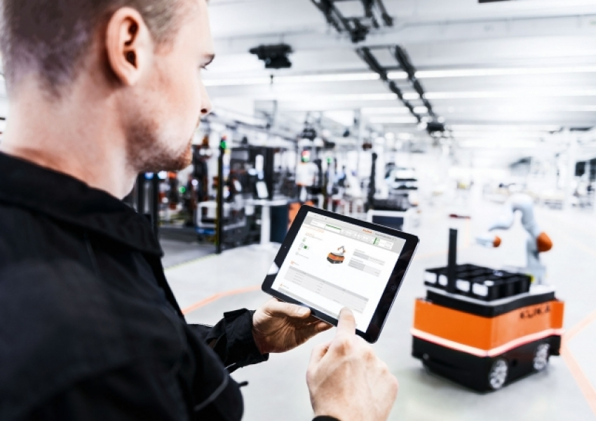States, protocols and controls are available worldwide via the KUKA Connect interface