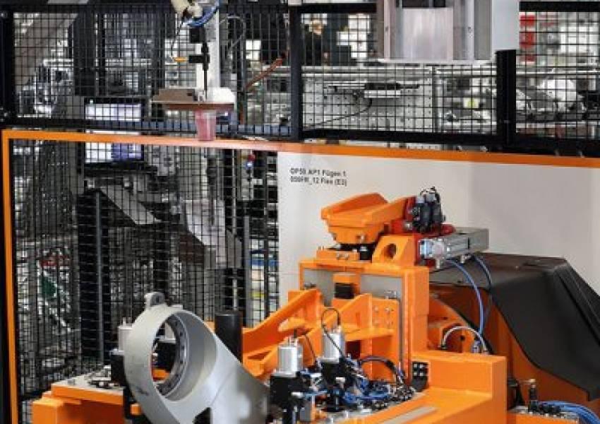 eepos bei KUKA Robotics